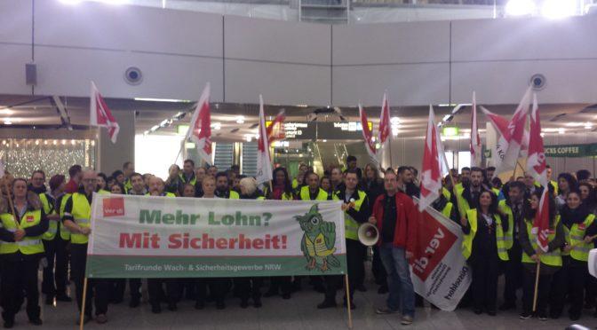 DSW-Beschäftigte demonstrieren am Flughafen Düsseldorf!
